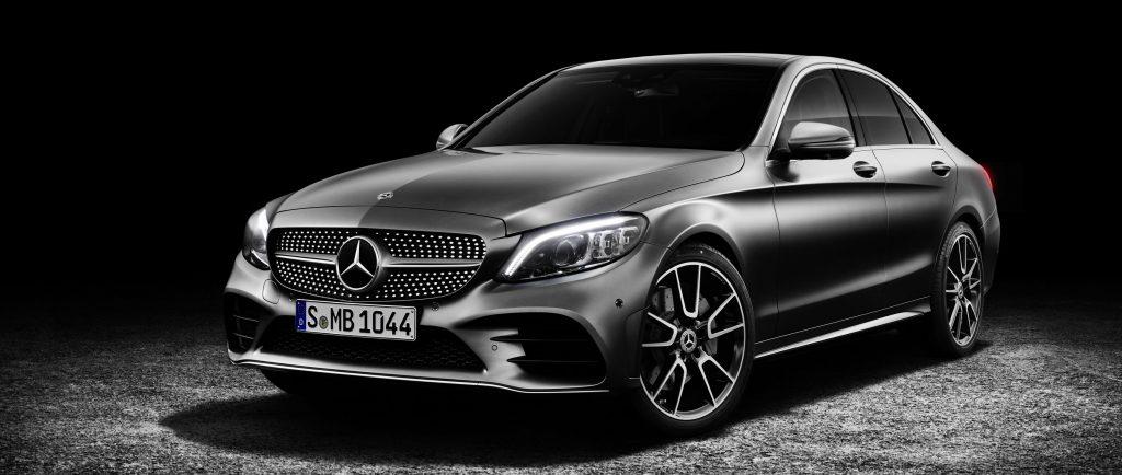 So sáng Mercedes C250 AMG và C300 AMG 1