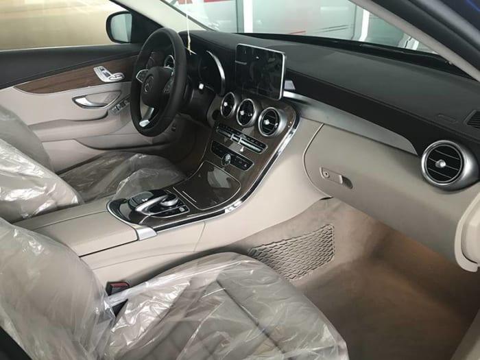 Mercedes C250 Exclusive 2017 ghế trước