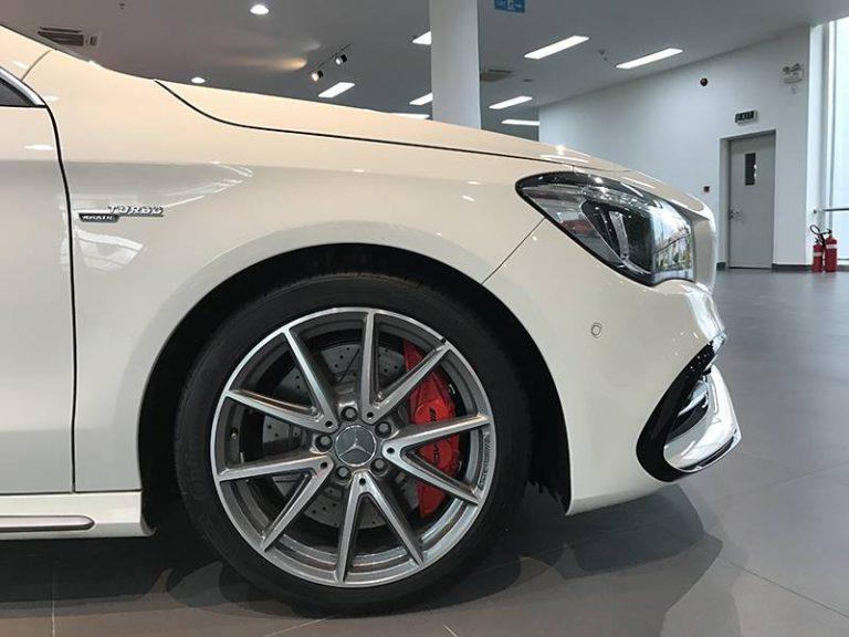 Mercedes CLA45 AMG mâm bánh xe trước
