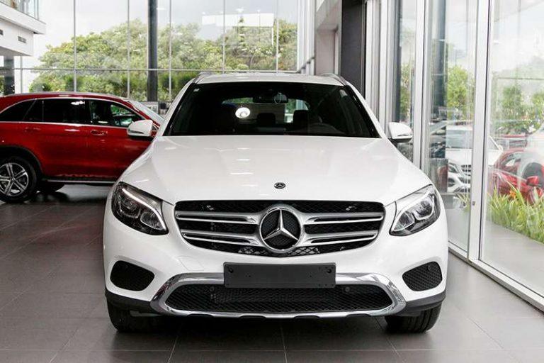 Mercedes GLC 200 màu trắng