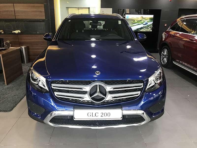 Mercedes GLC 200 phiên bản màu xanh
