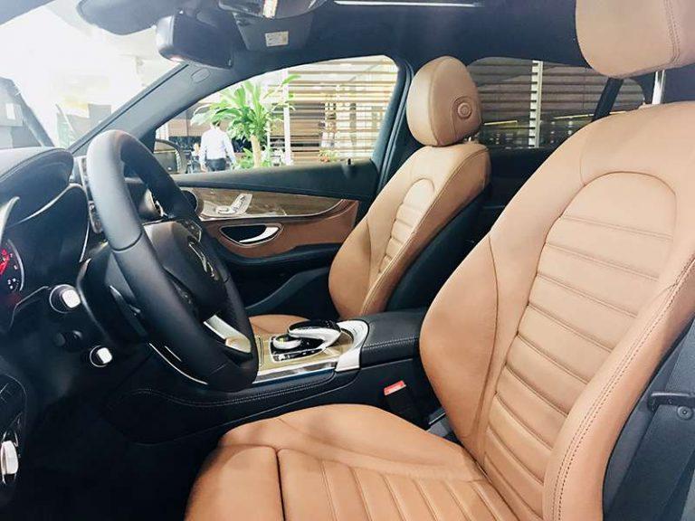 Mercedes GLC 300 hệ thống vô lăng