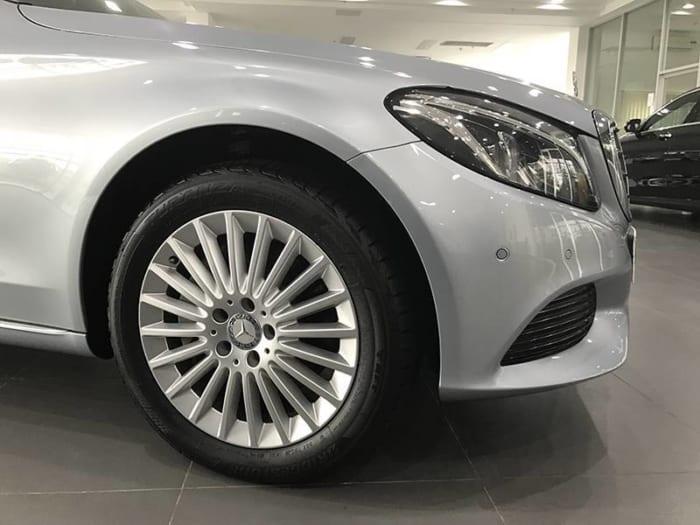 Mercedes C250 Exclusive bánh trước