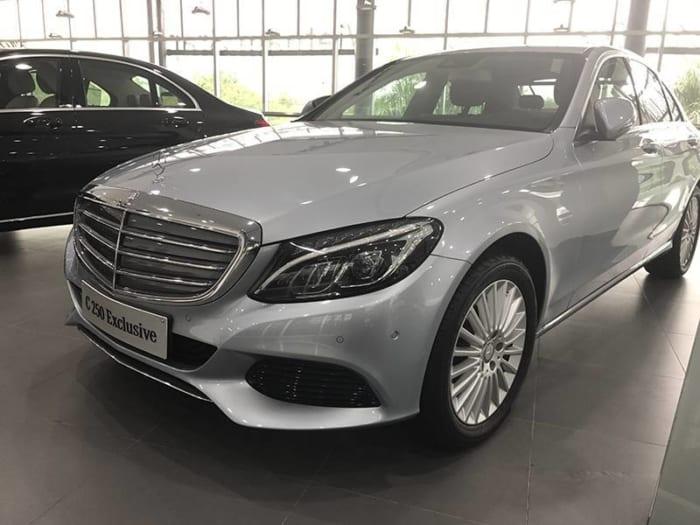 Mercedes C250 Exclusive đầu xe