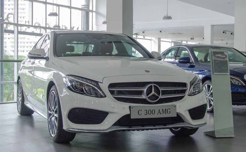 Ngoại thất Mercedes C300 AMG 2018