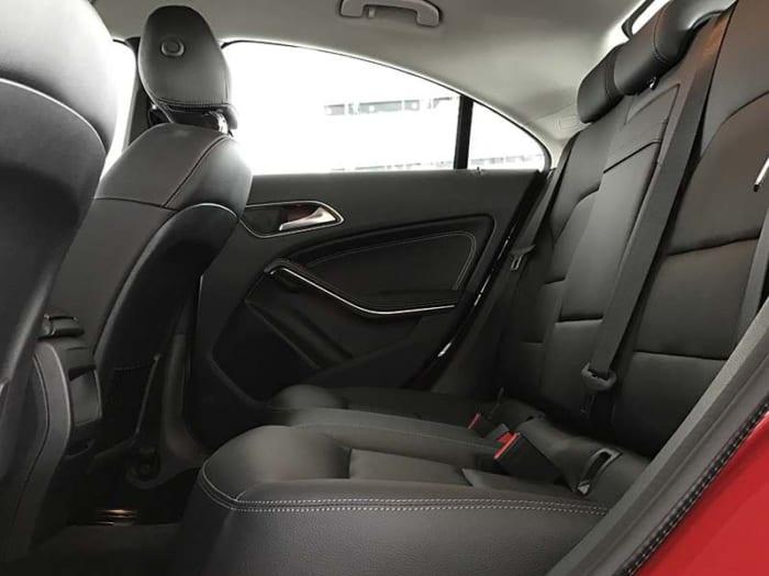 mercedes cla 200 hệ thống ghế sau