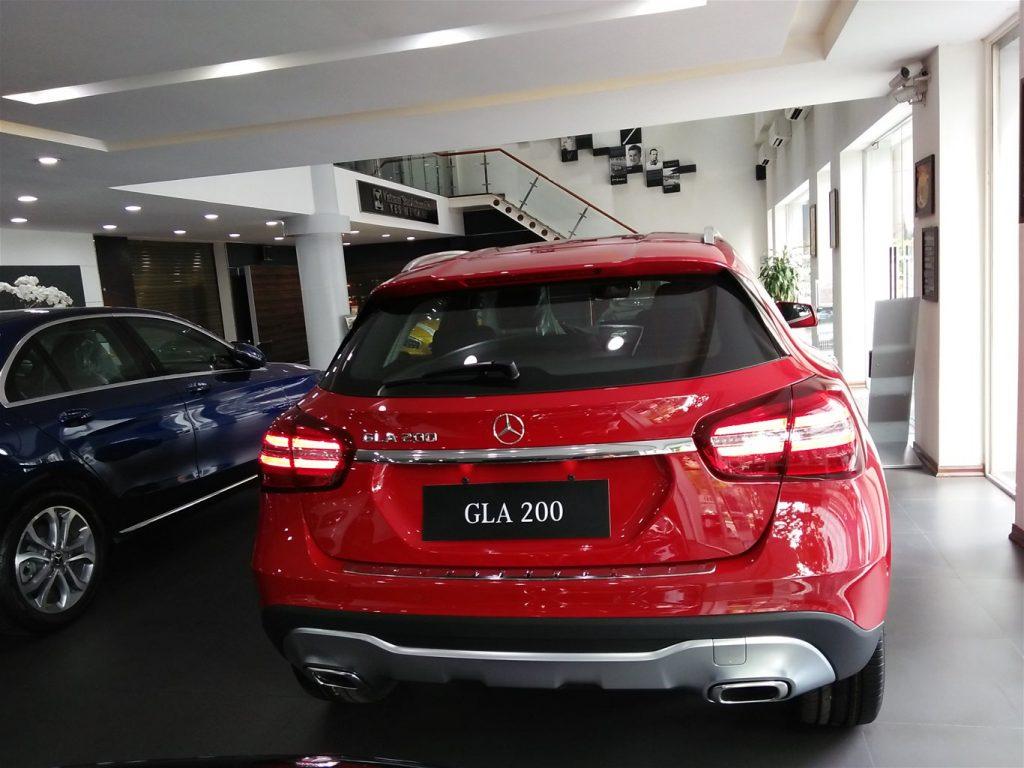 Đuôi xe GLA 200 2018
