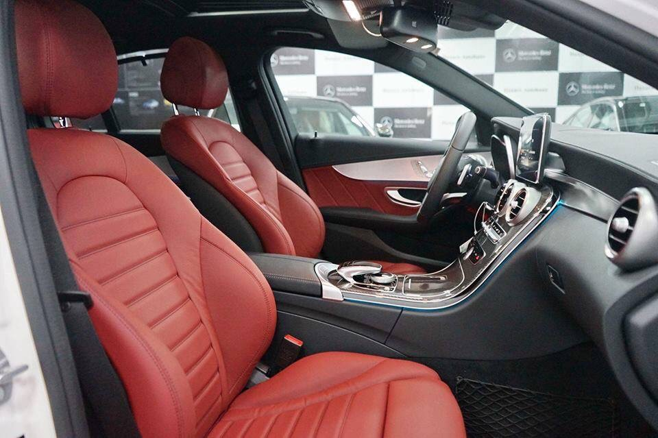 Mercedes C300 AMG he thong ghe truoc