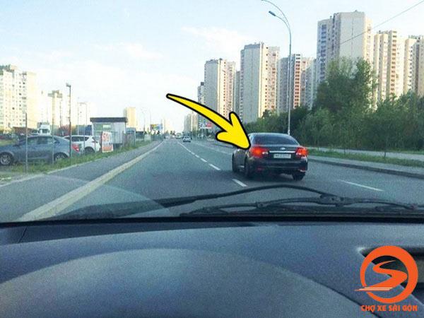 Hướng dẫn cách căn đường chính xác cho người mới lái xe
