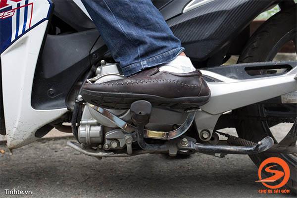 Hướng dẫn cách sang số xe máy
