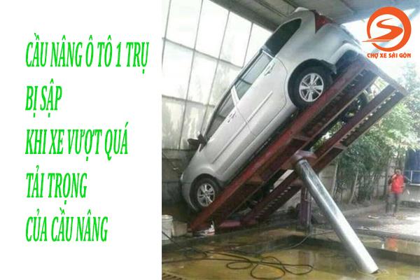 Cầu nâng ô tô bị sập nếu xe vượt quá tải trọng cho phép